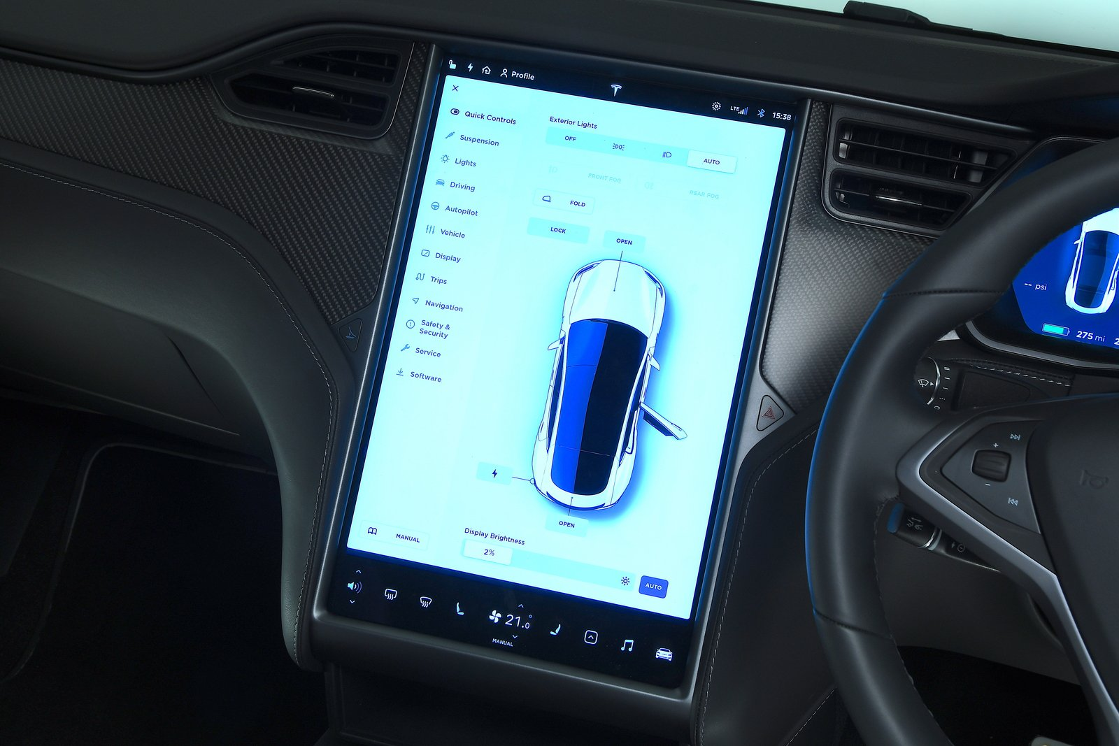 Tesla Model S 2021 interior infotainment