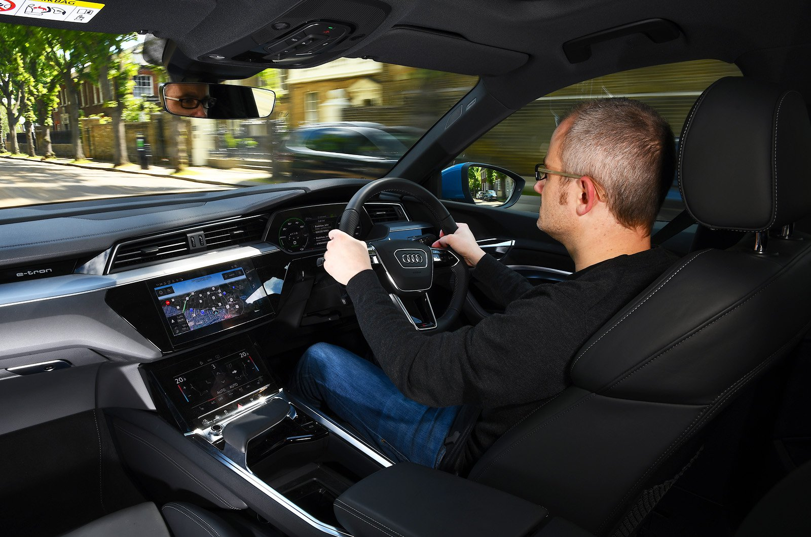 LT Audi E-tron Sportback - behind the wheel