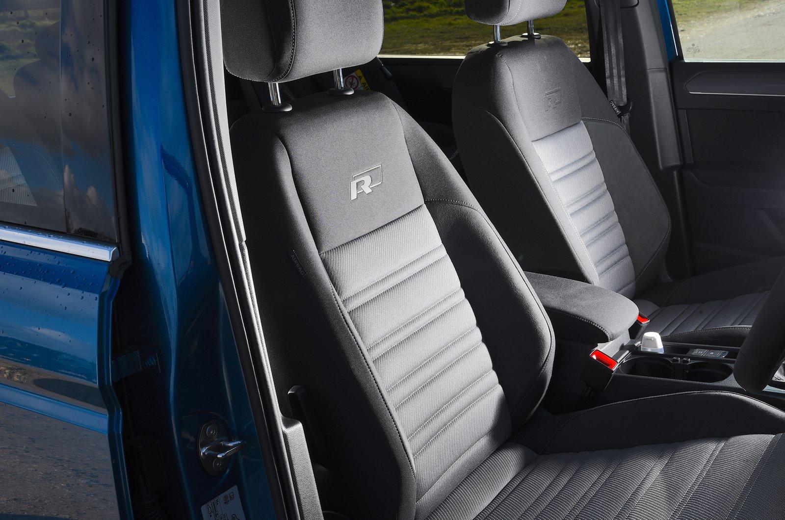 LT Volkswagen Touran front seats