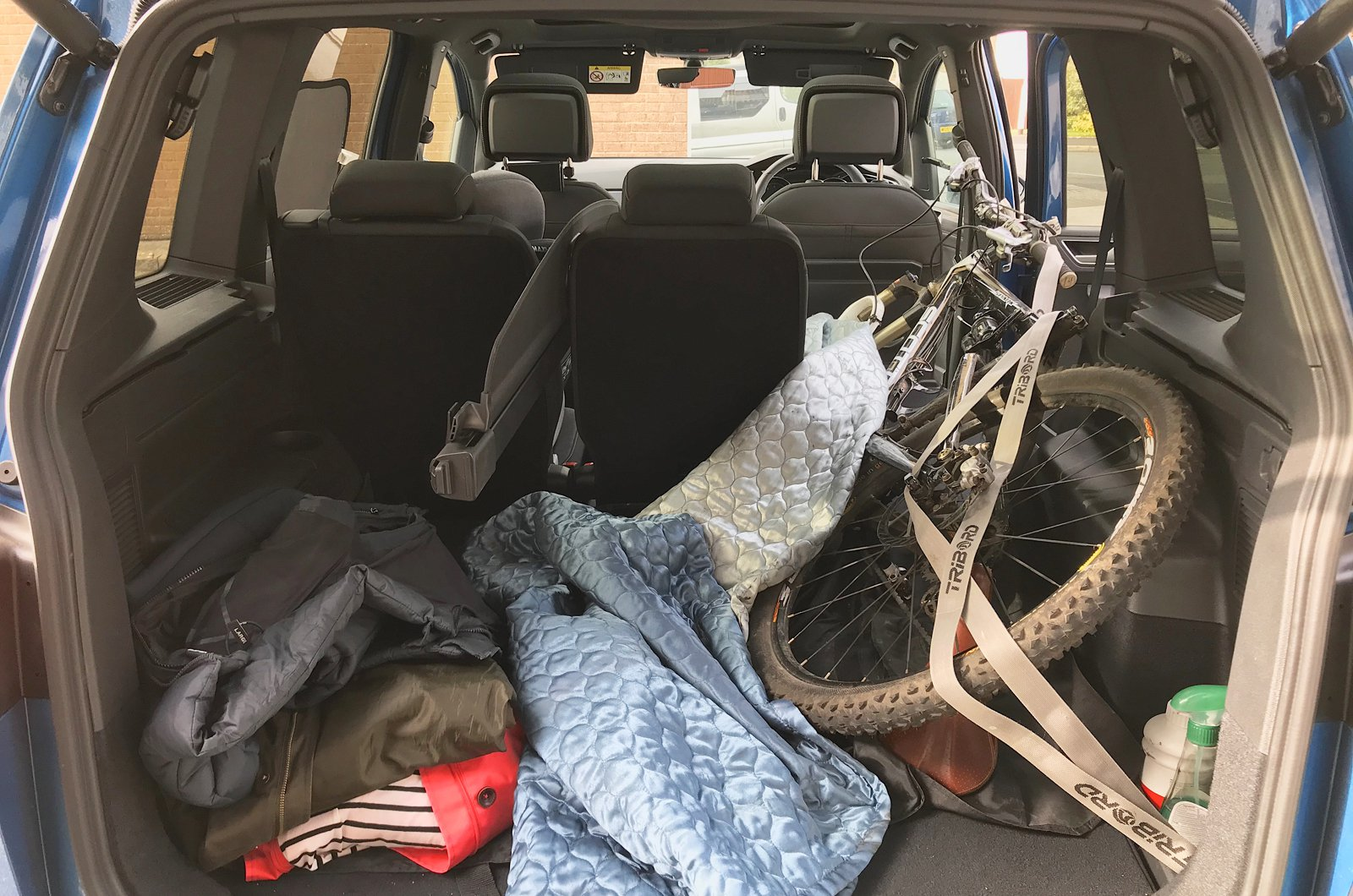 LT Volkswagen Touran with mountain bike in boot