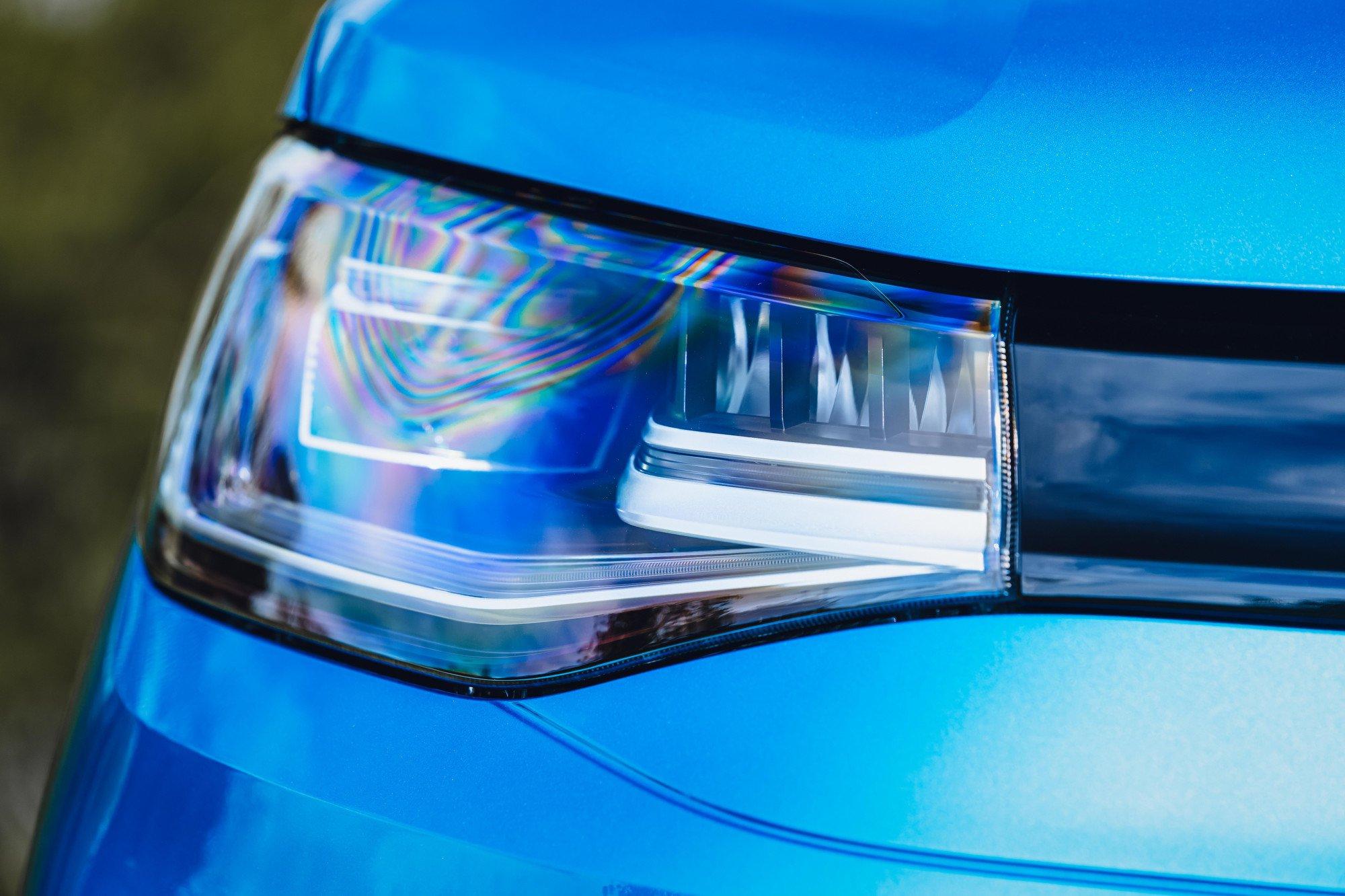 Volkswagen Caddy California 2021 headlight detail
