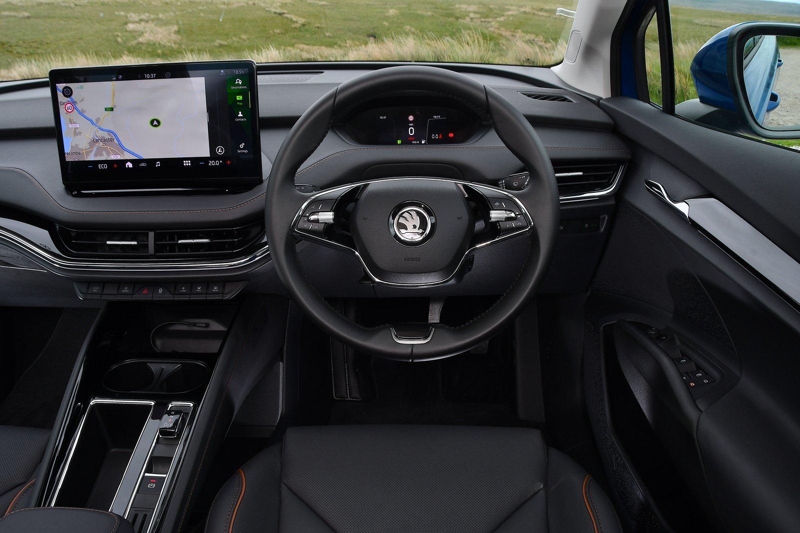 Skoda Enyaq iV 2021 interior dashboard