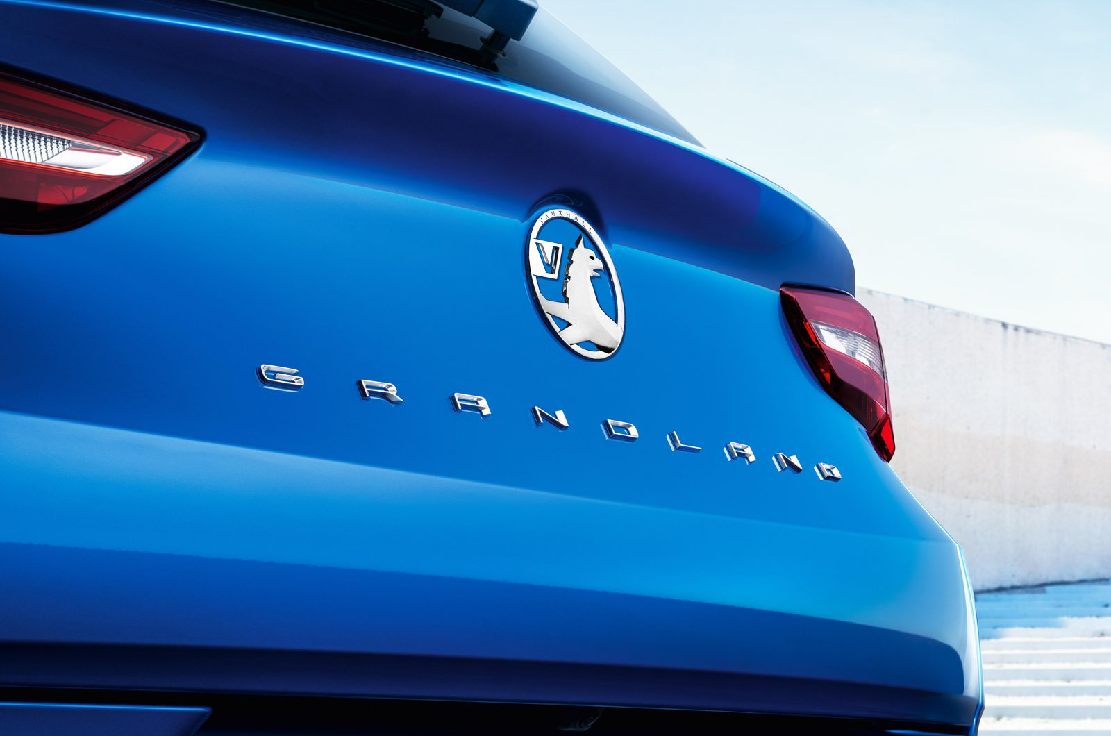 Vauxhall Grandland 2021 rear