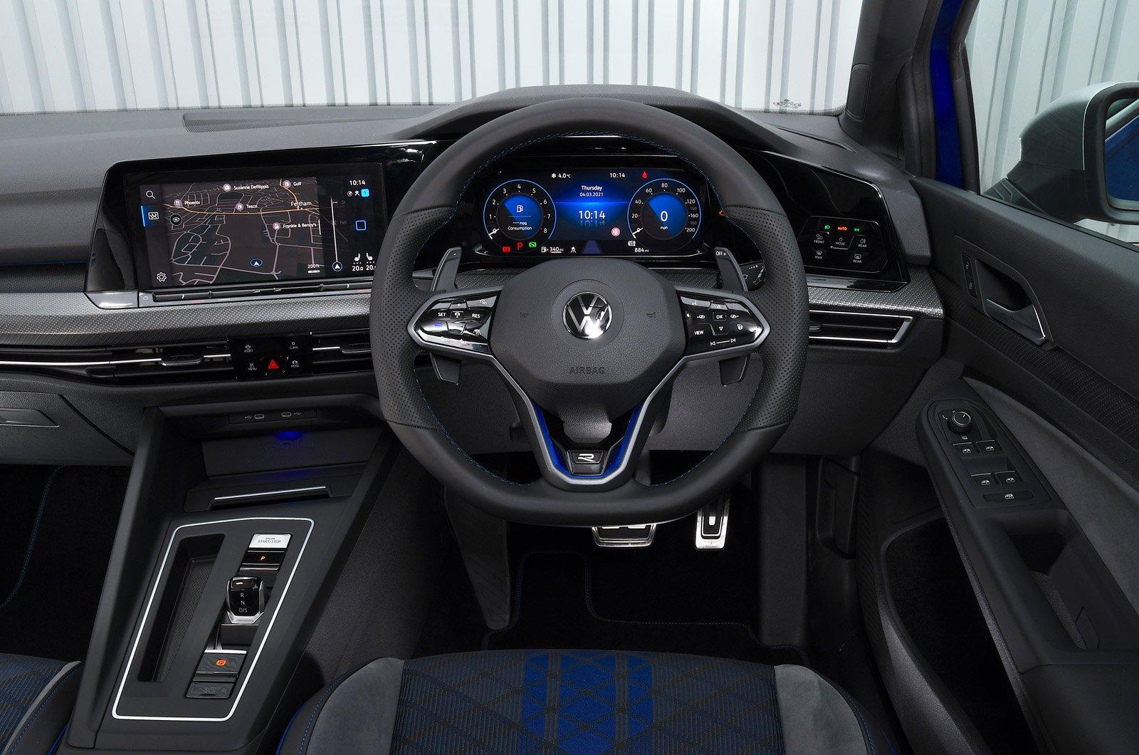 Painel do Volkswagen Golf R 2021