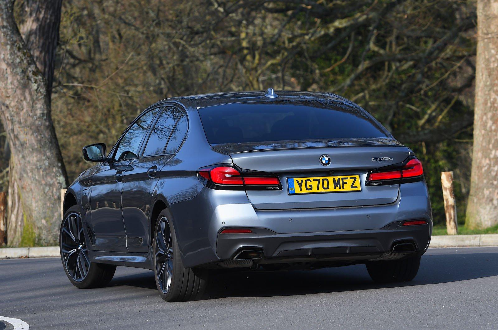 BMW 530e 2021 rear
