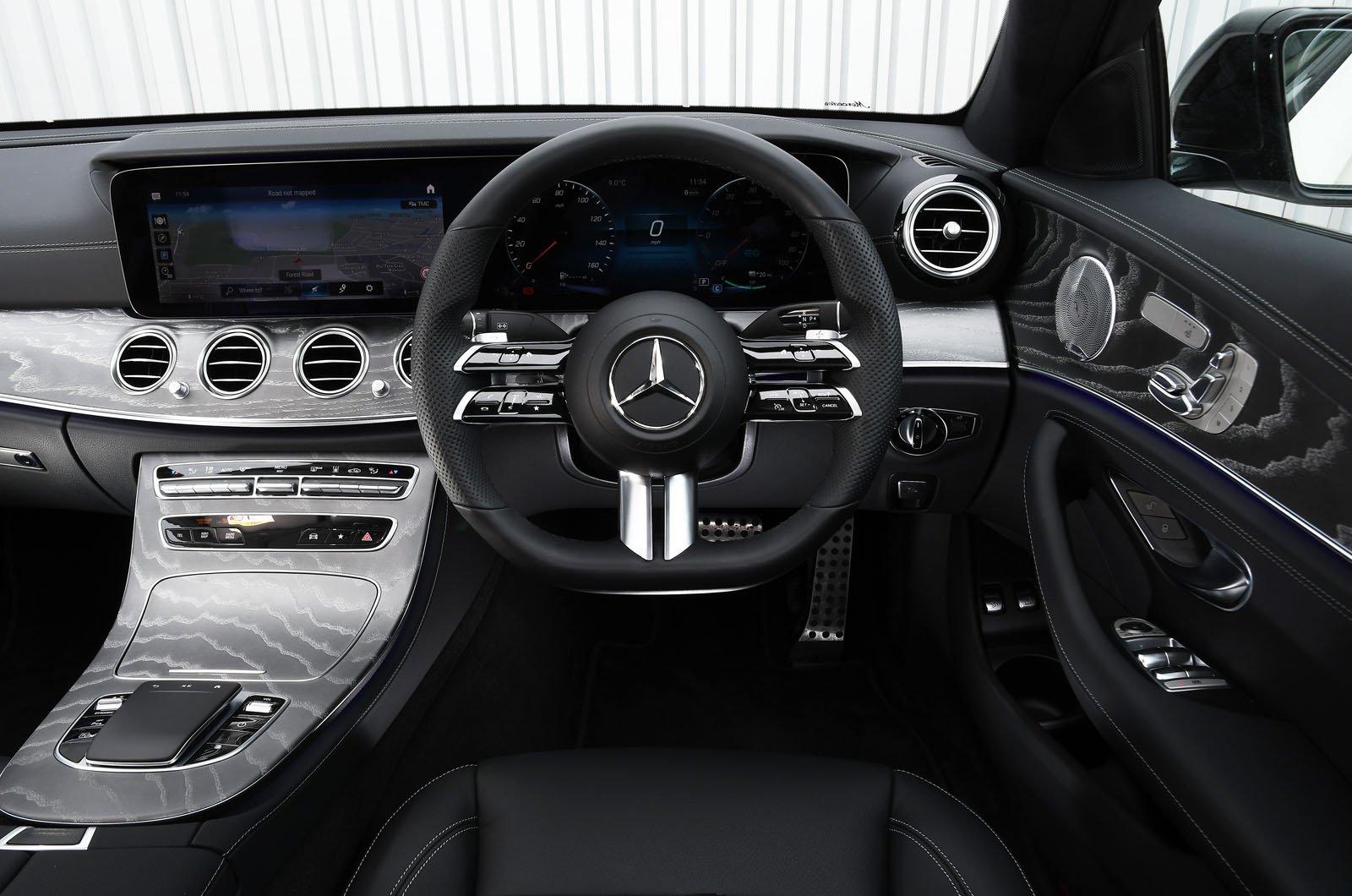 Mercedes E300e 2021 dashboard