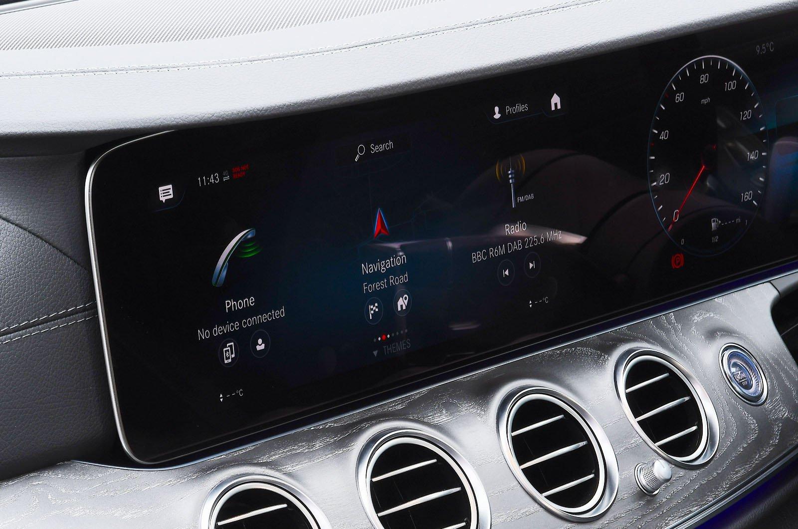 Mercedes E300e 2021 touchscreen