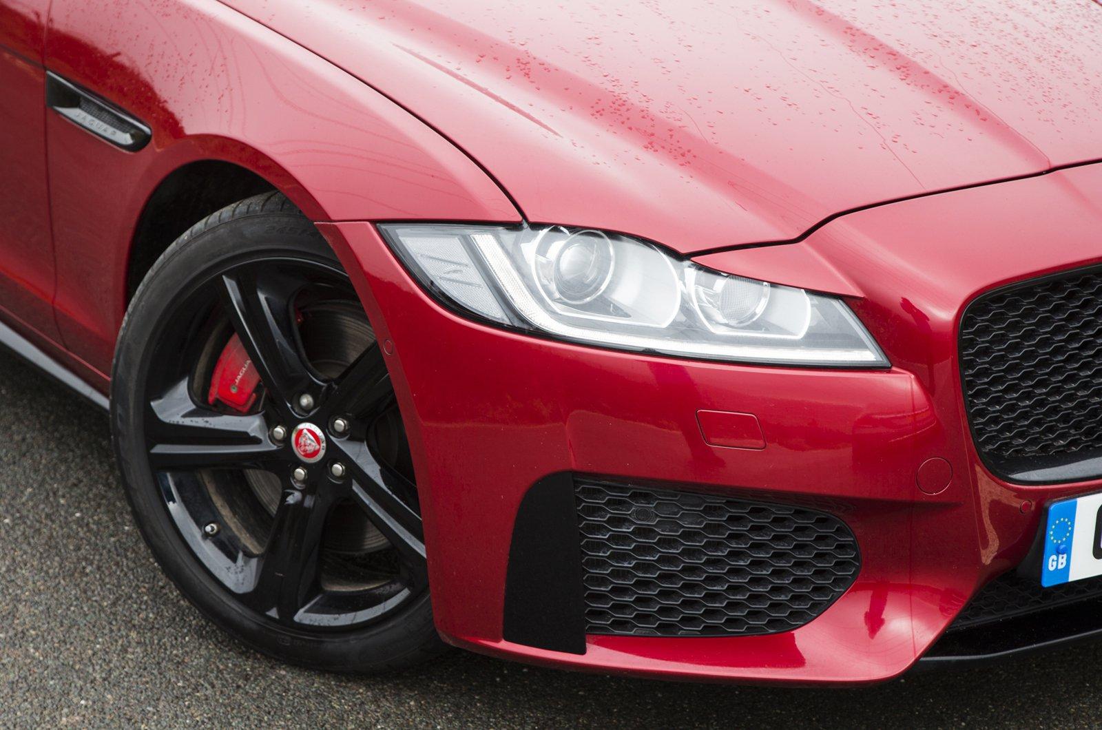 Jaguar XF alloy wheel and headlight