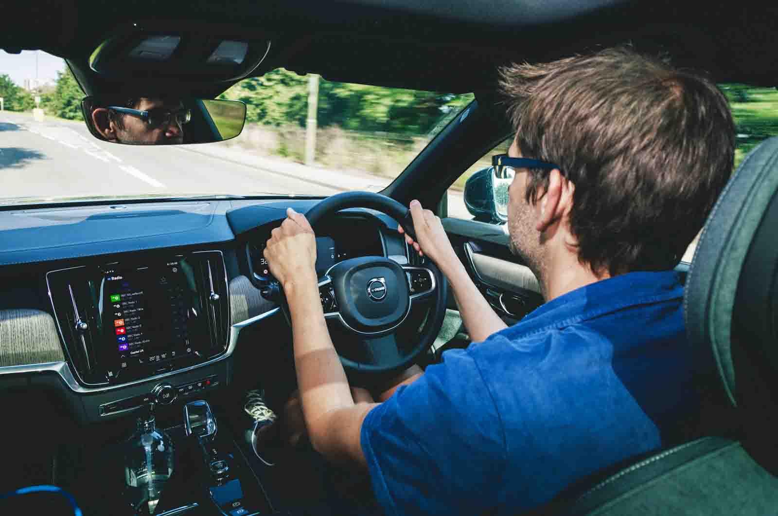 LT Volvo V90 T6 PHEV - behind the wheel