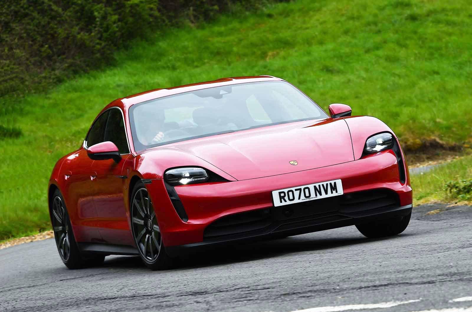 Porsche Taycan 2021 front