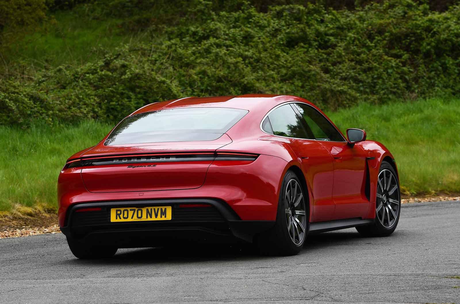 Porsche Taycan 2021 rear