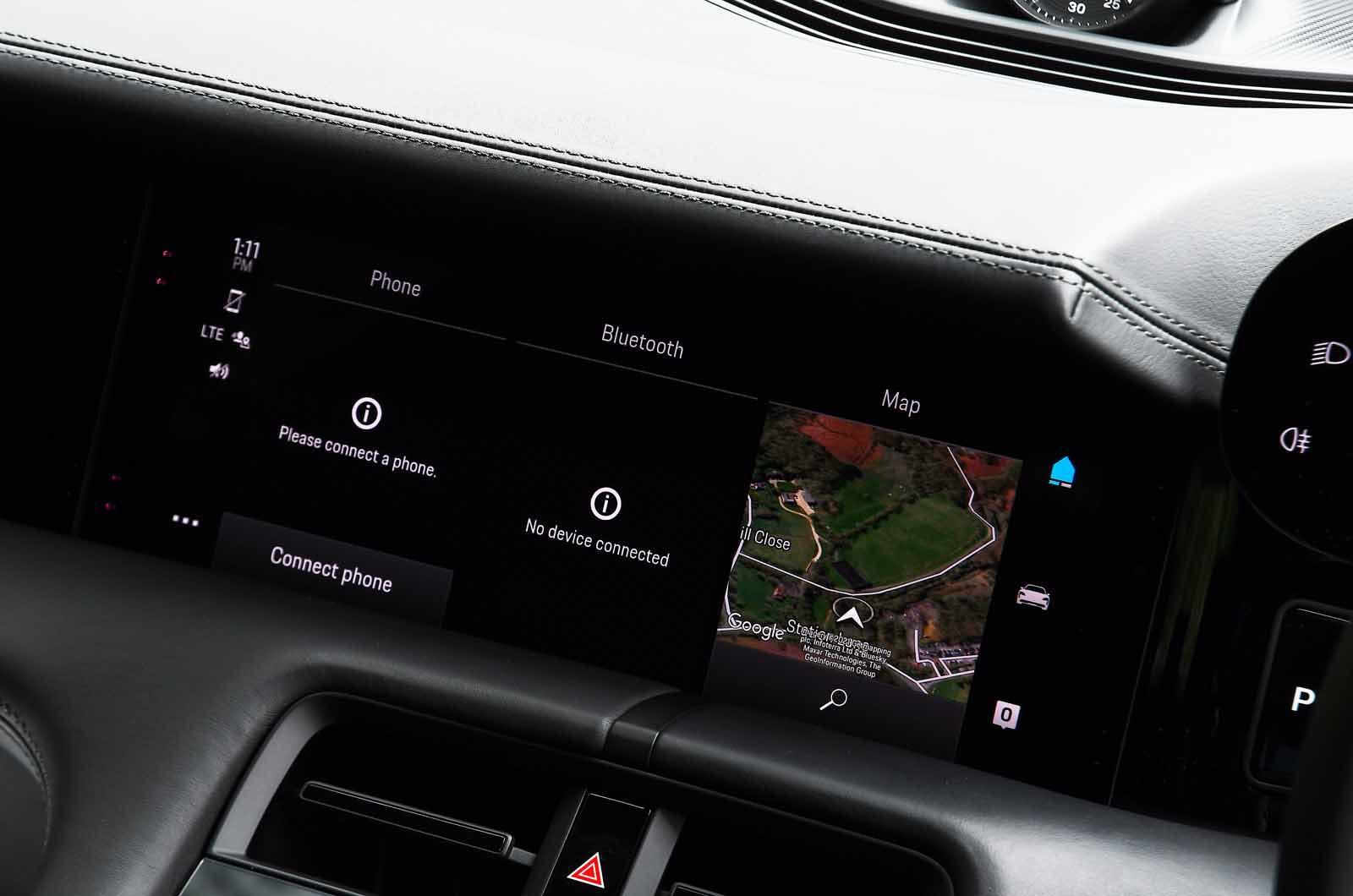 Porsche Taycan 2021 touchscreen
