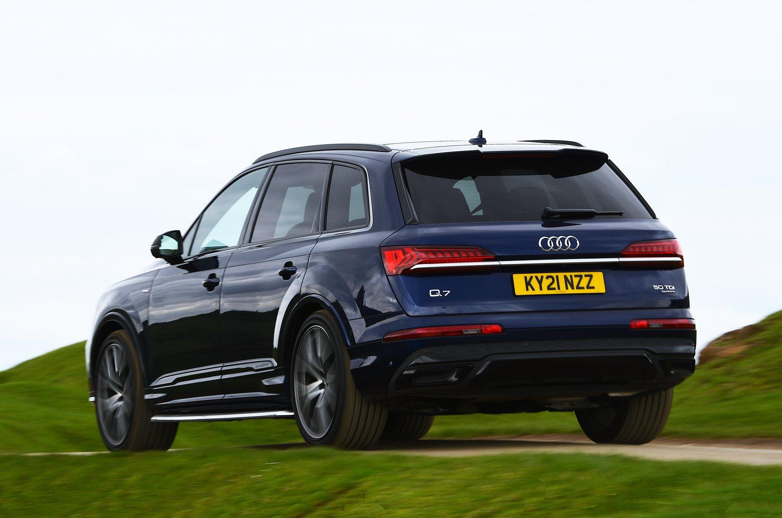 Audi Q7 2021 rear