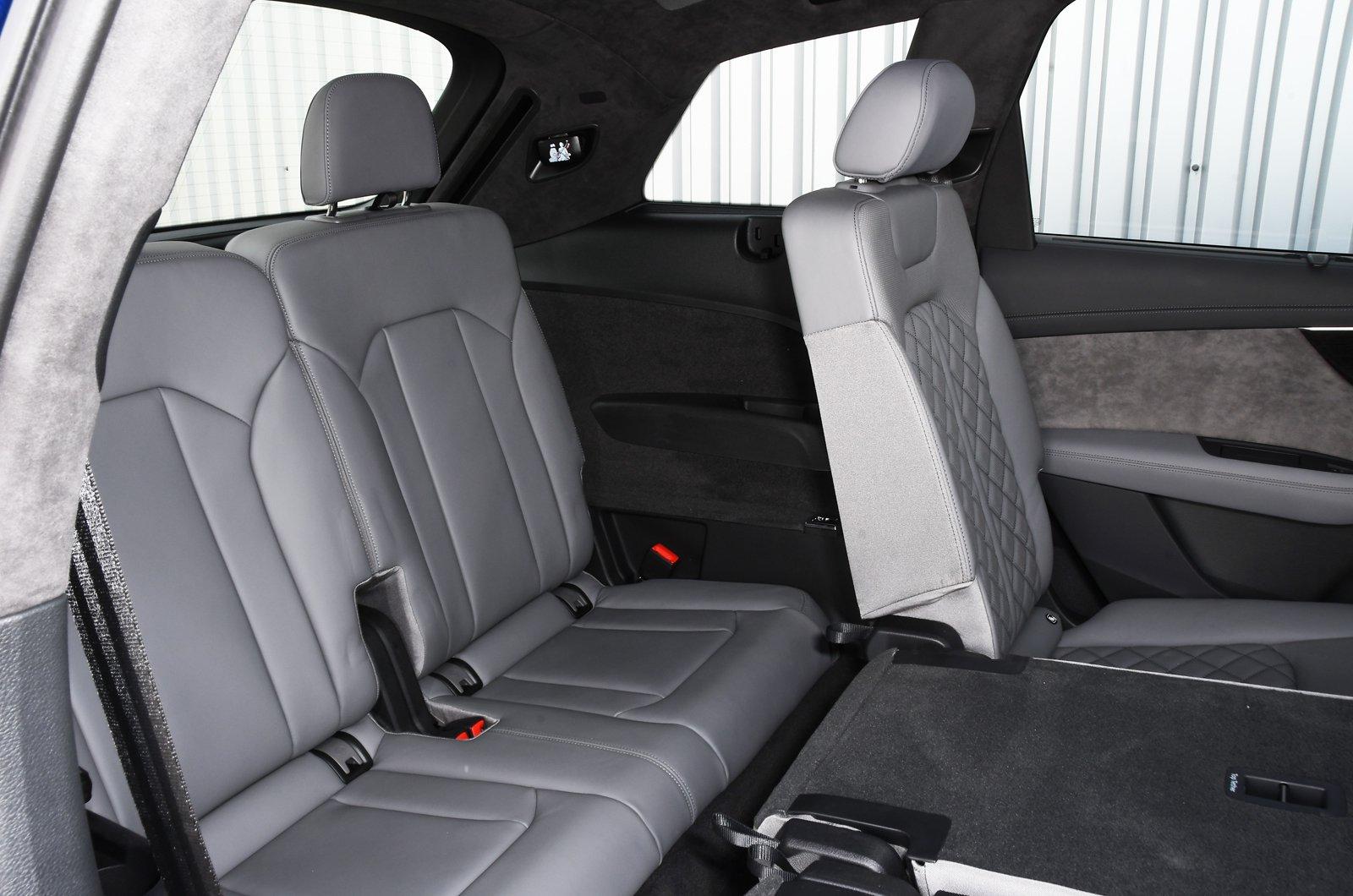 Audi Q7 2021 rear seats