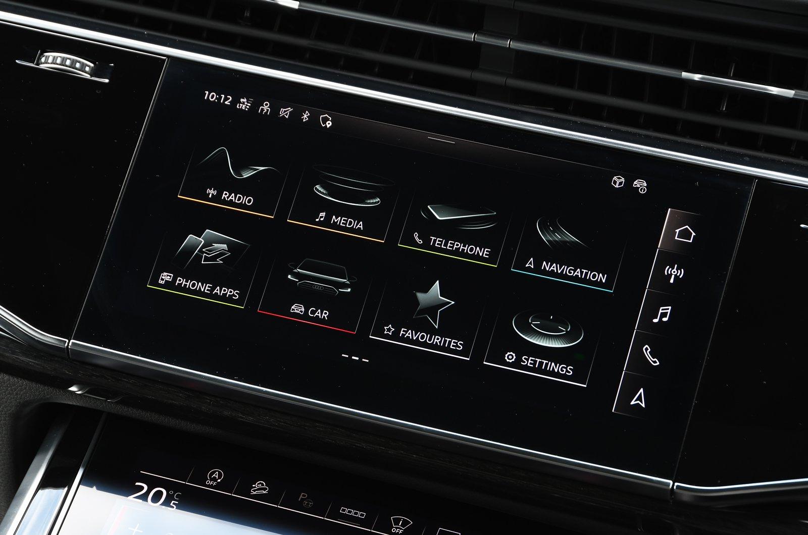 Audi Q7 2021 touchscreen