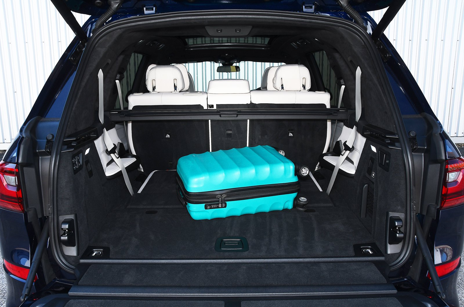 BMW X7 2021 boot