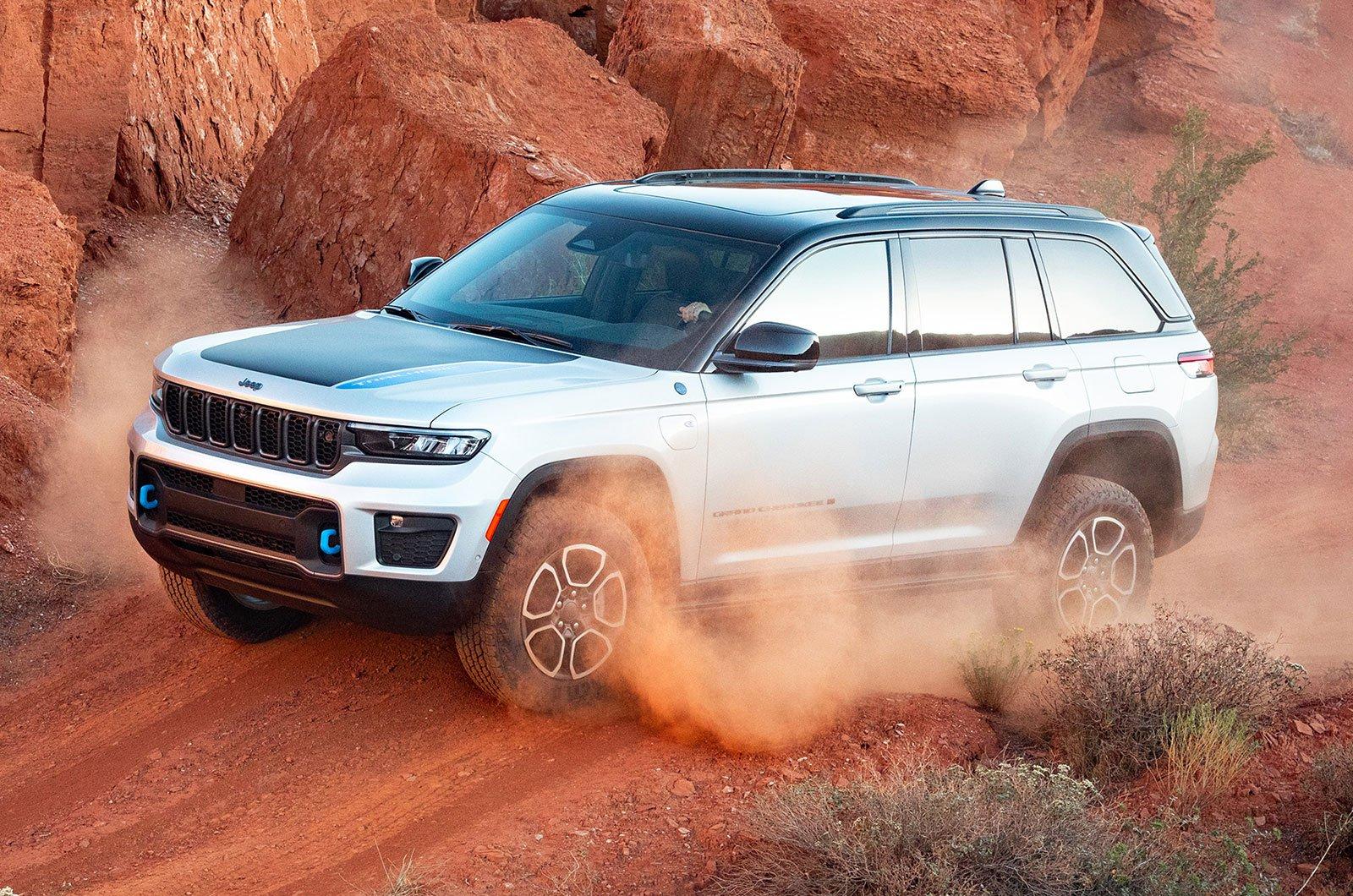2022 Jeep Grand Cherokee anteriore