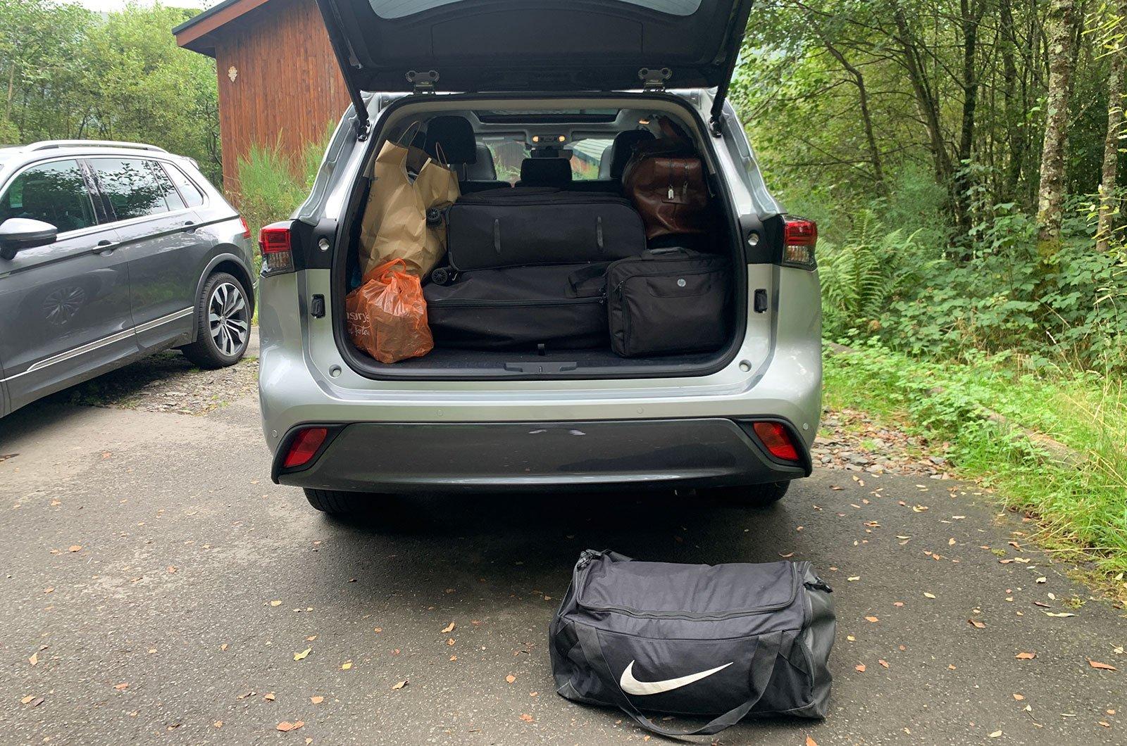Toyota Highlander boot