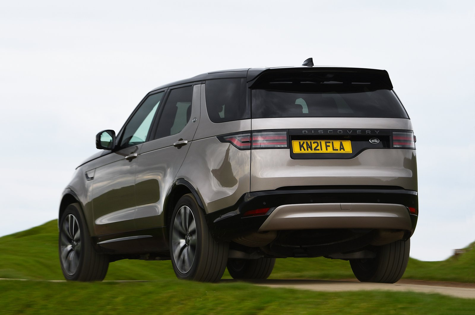 Land Rover Discovery 2021 rear