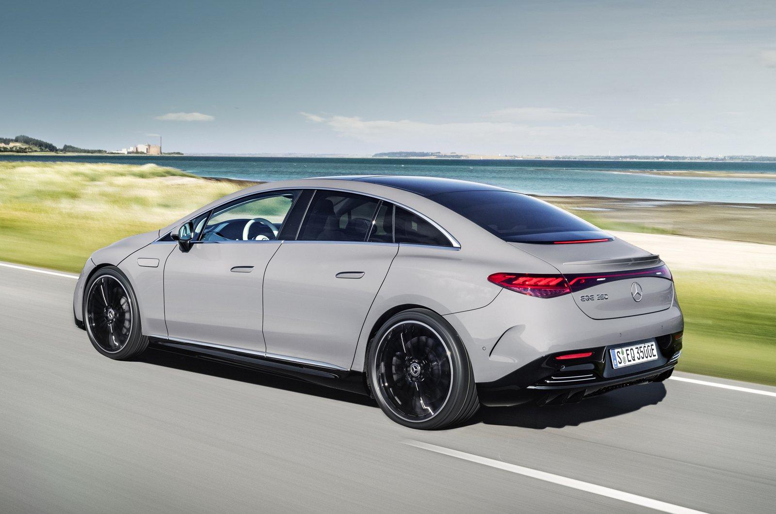 Mercedes EQE 2022 rear
