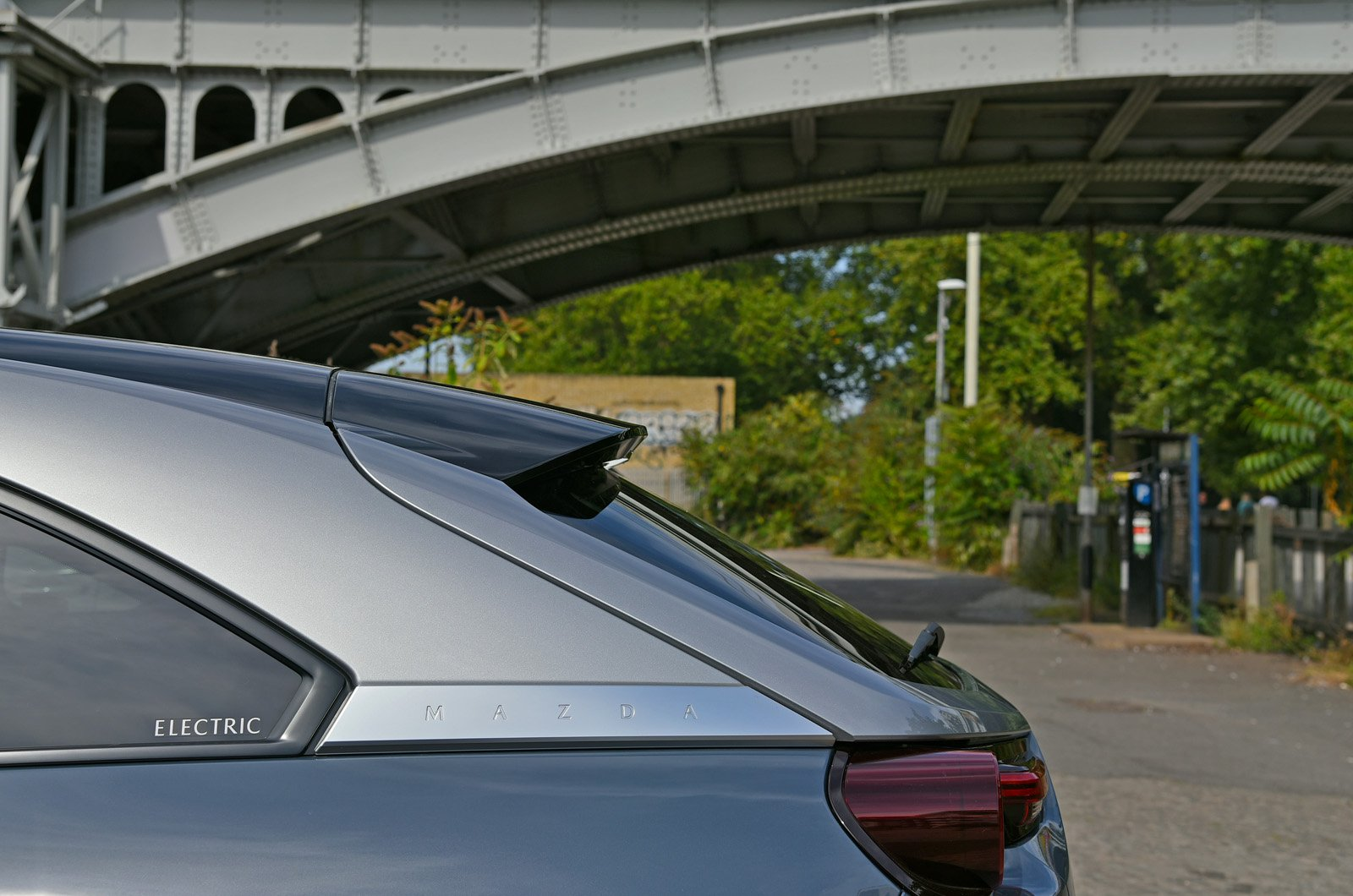 MX-30 long-term rear glass and lines