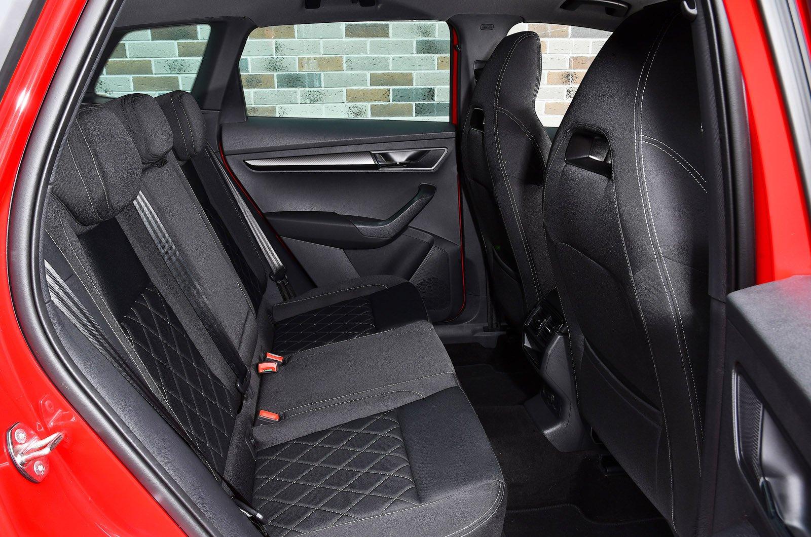 Skoda Karoq 2021 rear seats