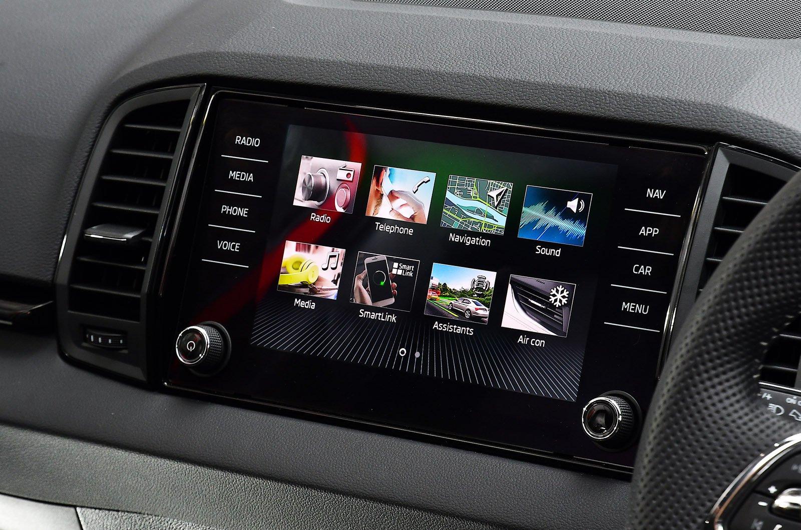 Skoda Karoq 2021 touchscreen