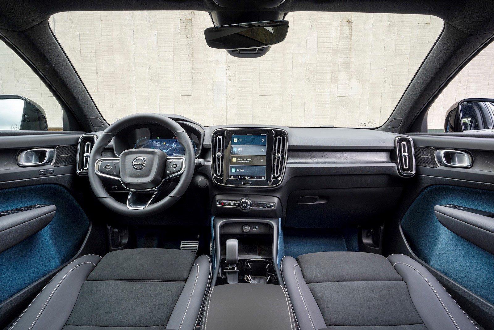 Volvo C40 2022 iç gösterge paneli
