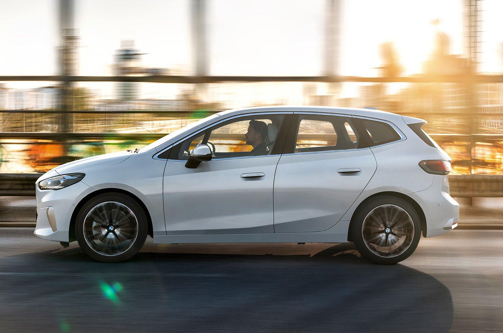 2022 BMW Série 2 Active Tourer side