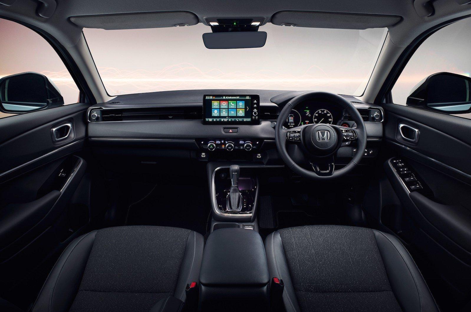 Honda HR-V 2021 interior dashboard