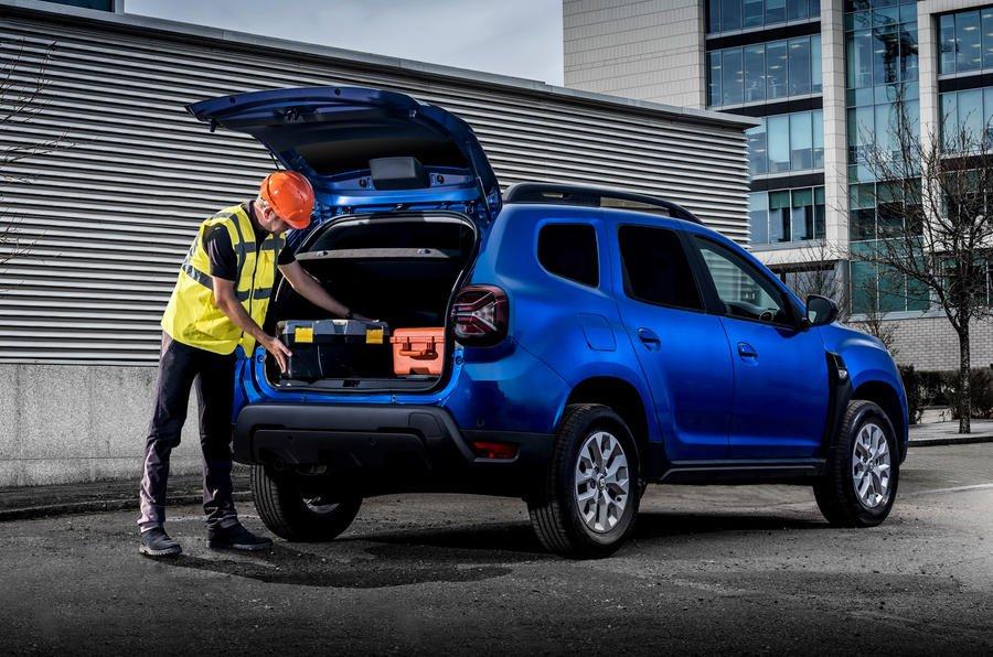2022 Dacia Duster commerciale posteriore