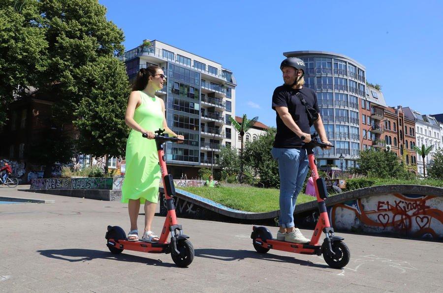 Çift ile e-scooter