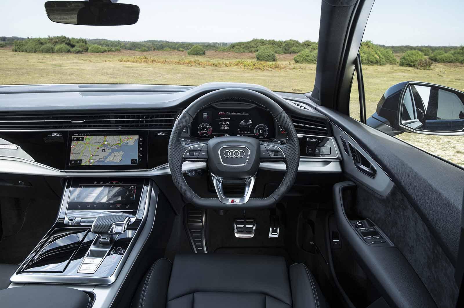 Audi Q7 2019 RHD dashboard