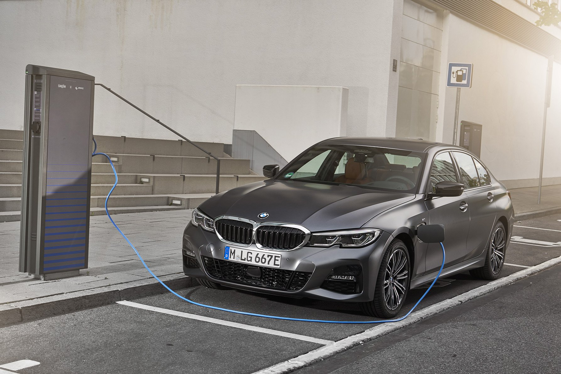 2019 BMW 330e front charging spot