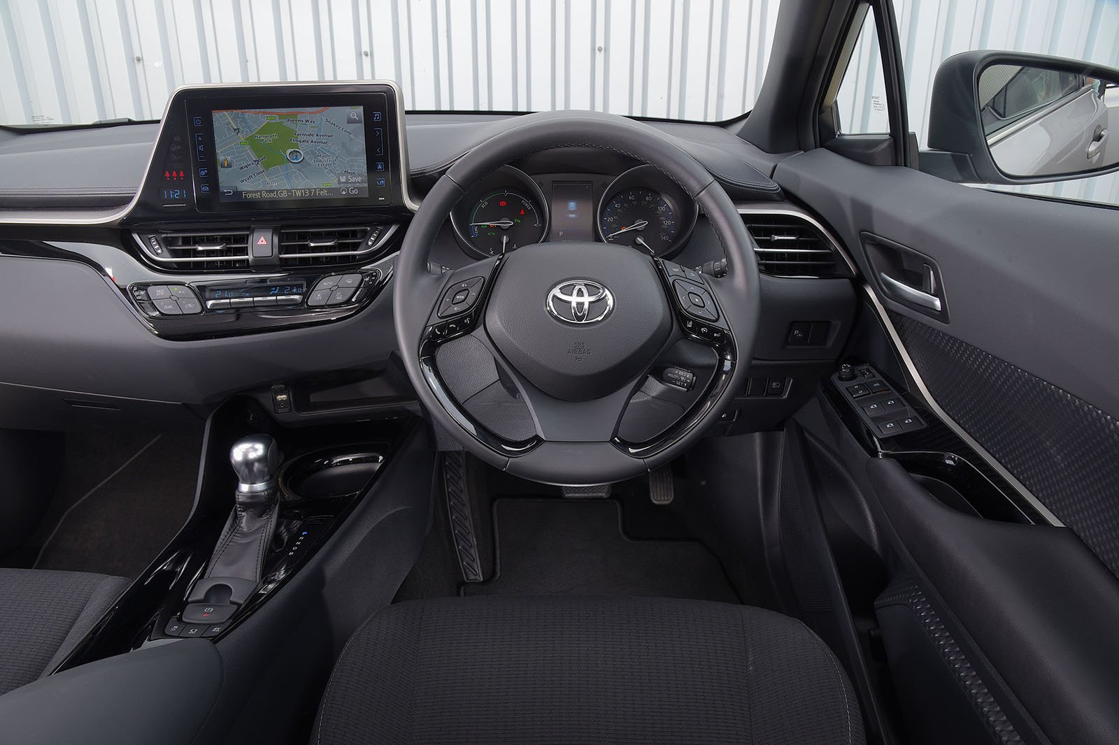 Toyota C-HR 2018 RHD dashboard