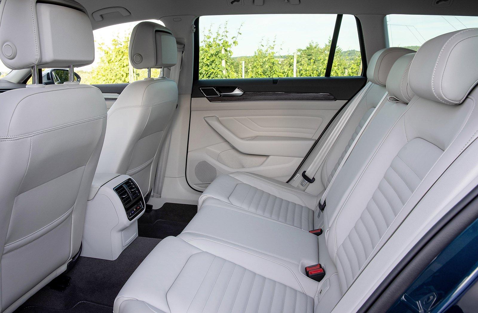 Volkswagen Passat Alltrack 2019 LHD rear seats