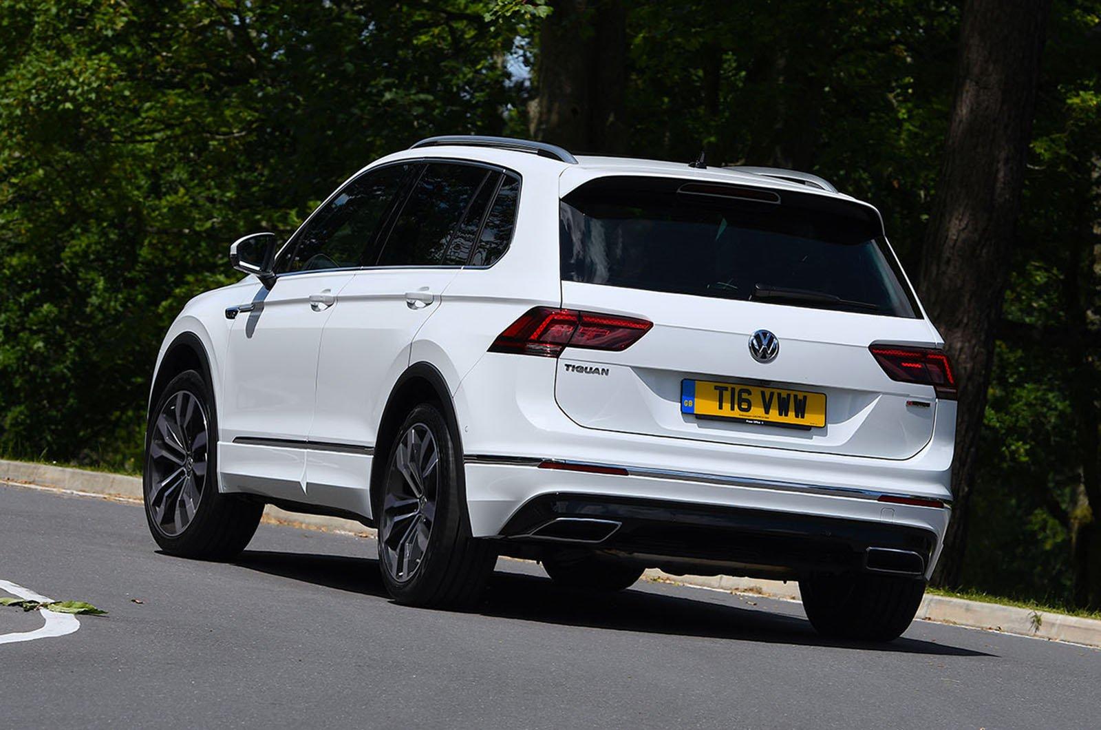 2019 Volkswagen Tiguan 2.0 TSI 230 rear