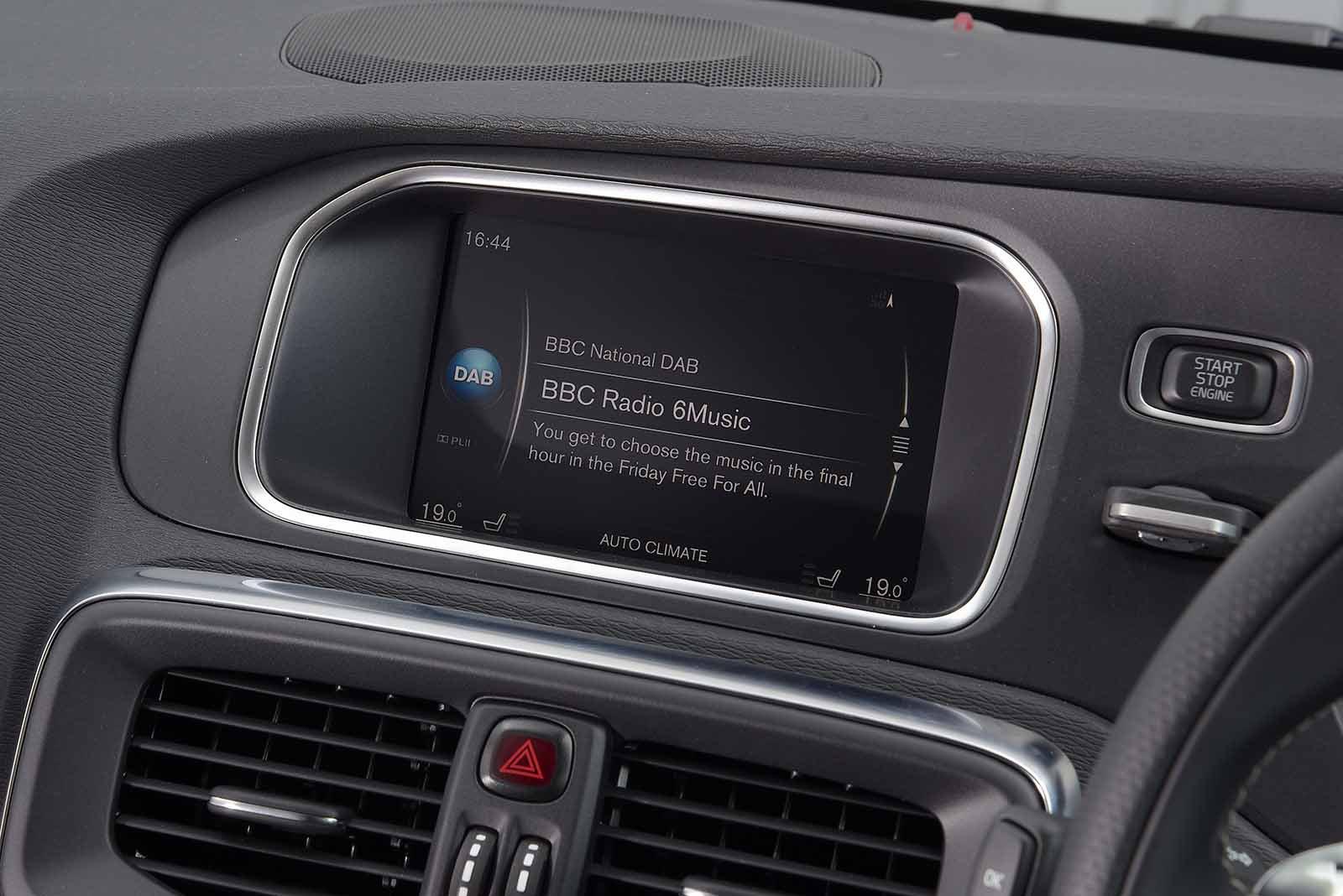 Volvo V40 68-plate RHD infotainment