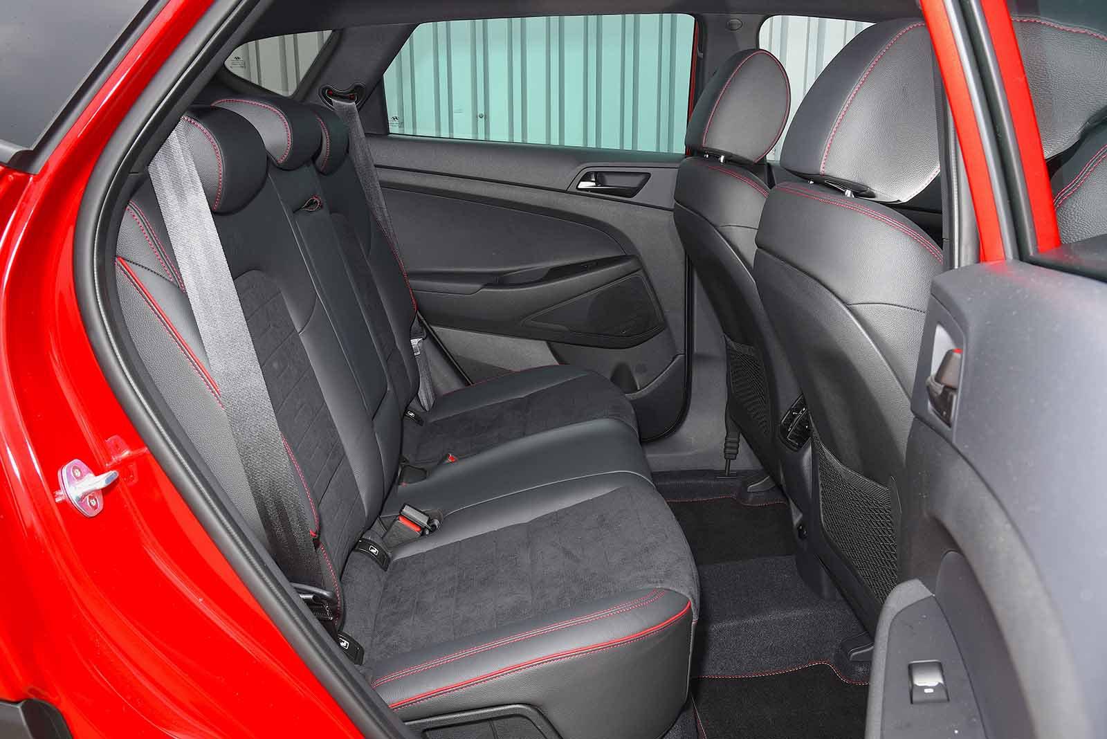 Hyundai Tucson N Line 2019 rear seats