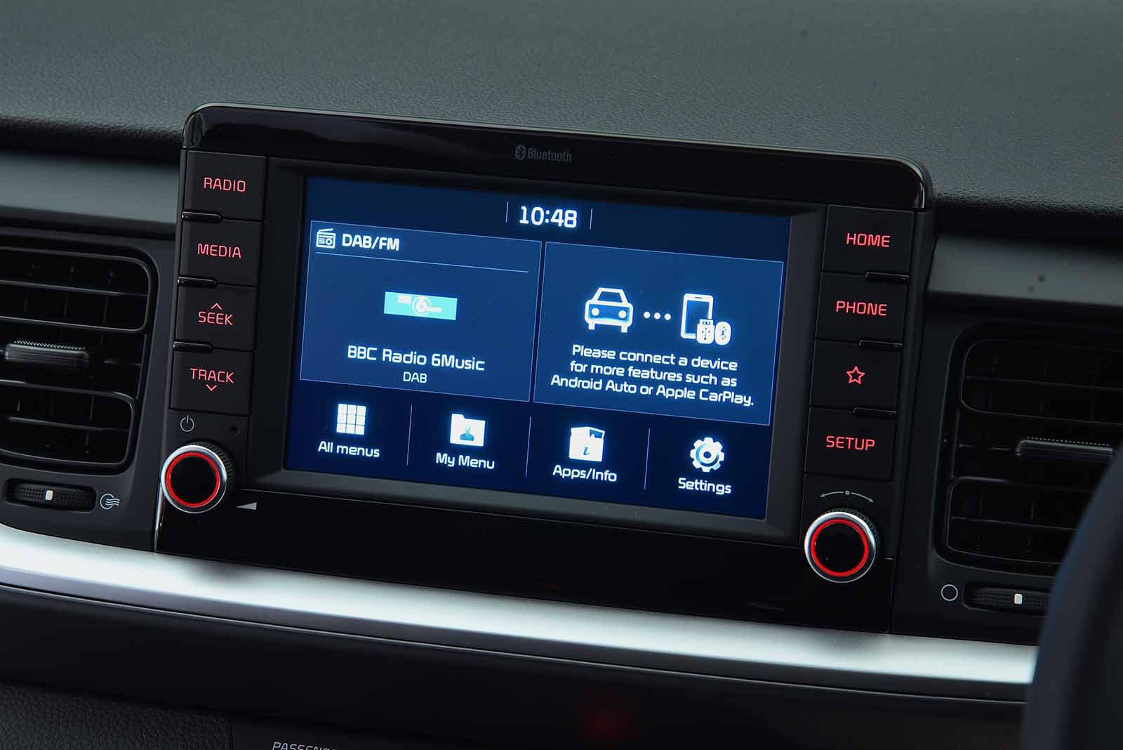 Kia Stonic 2017 RHD infotainment