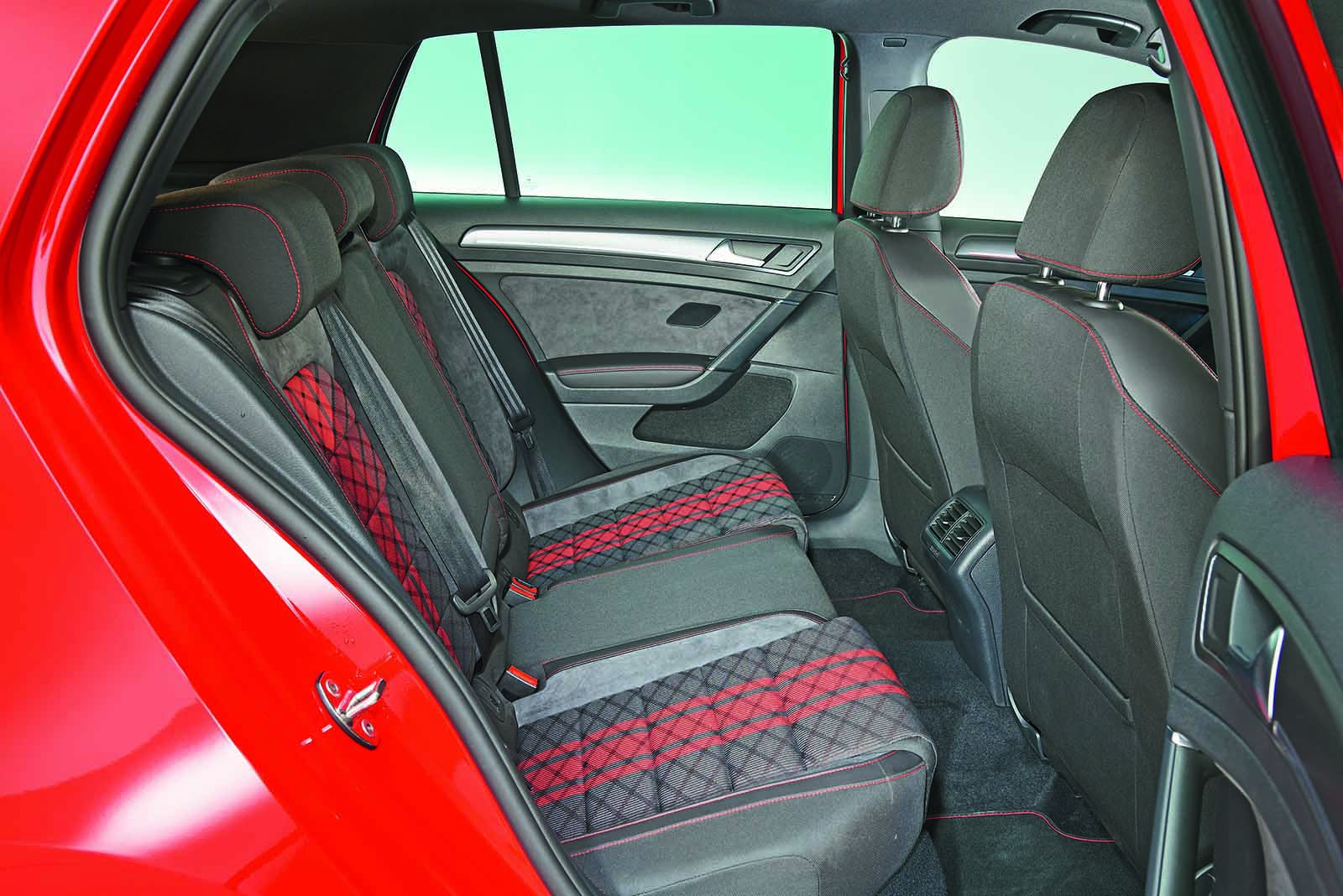 Volkswagen Golf Volkswagen Golf 2019 GTI rear seats