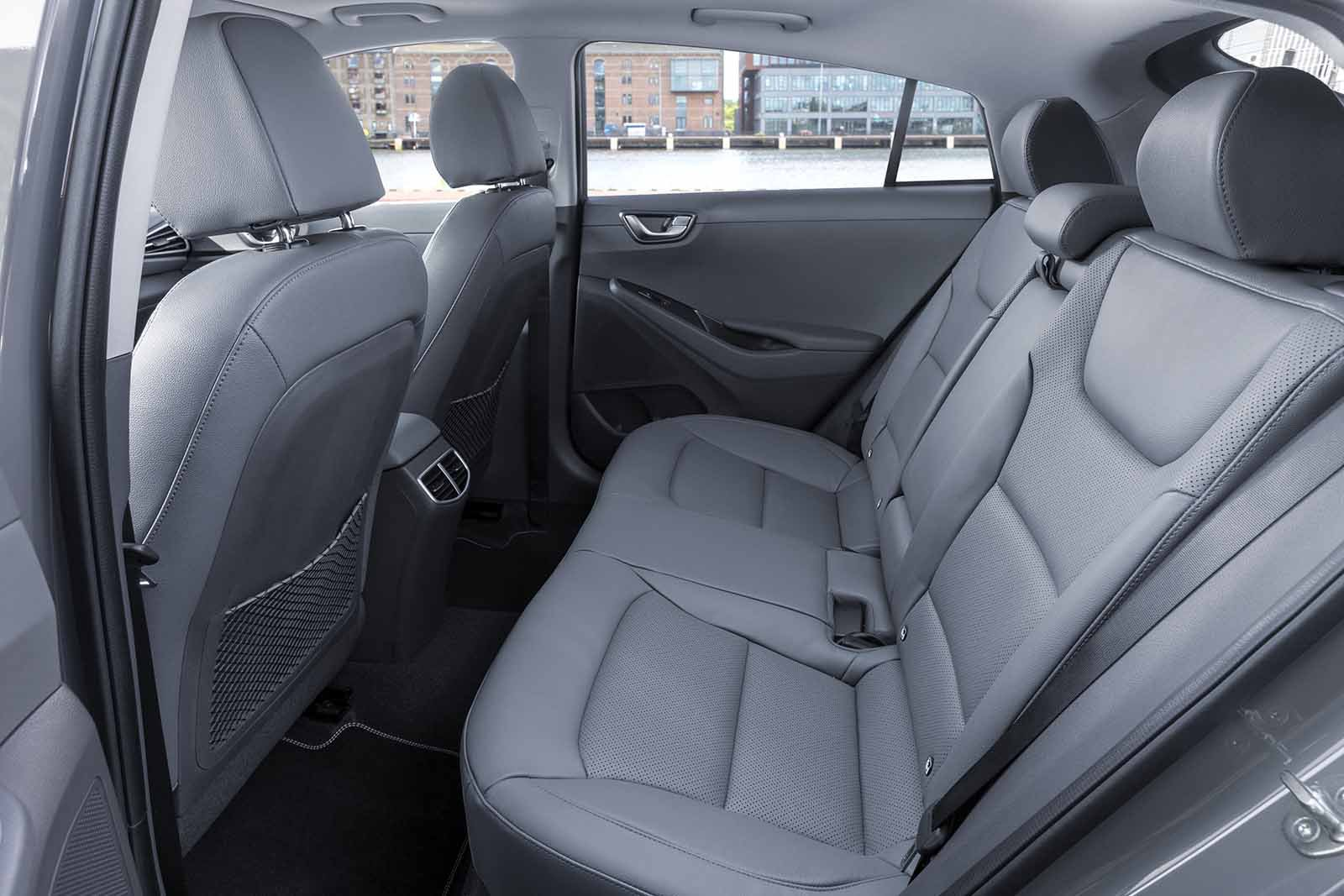 Hyundai Ioniq Hybrid 2019 rear seat