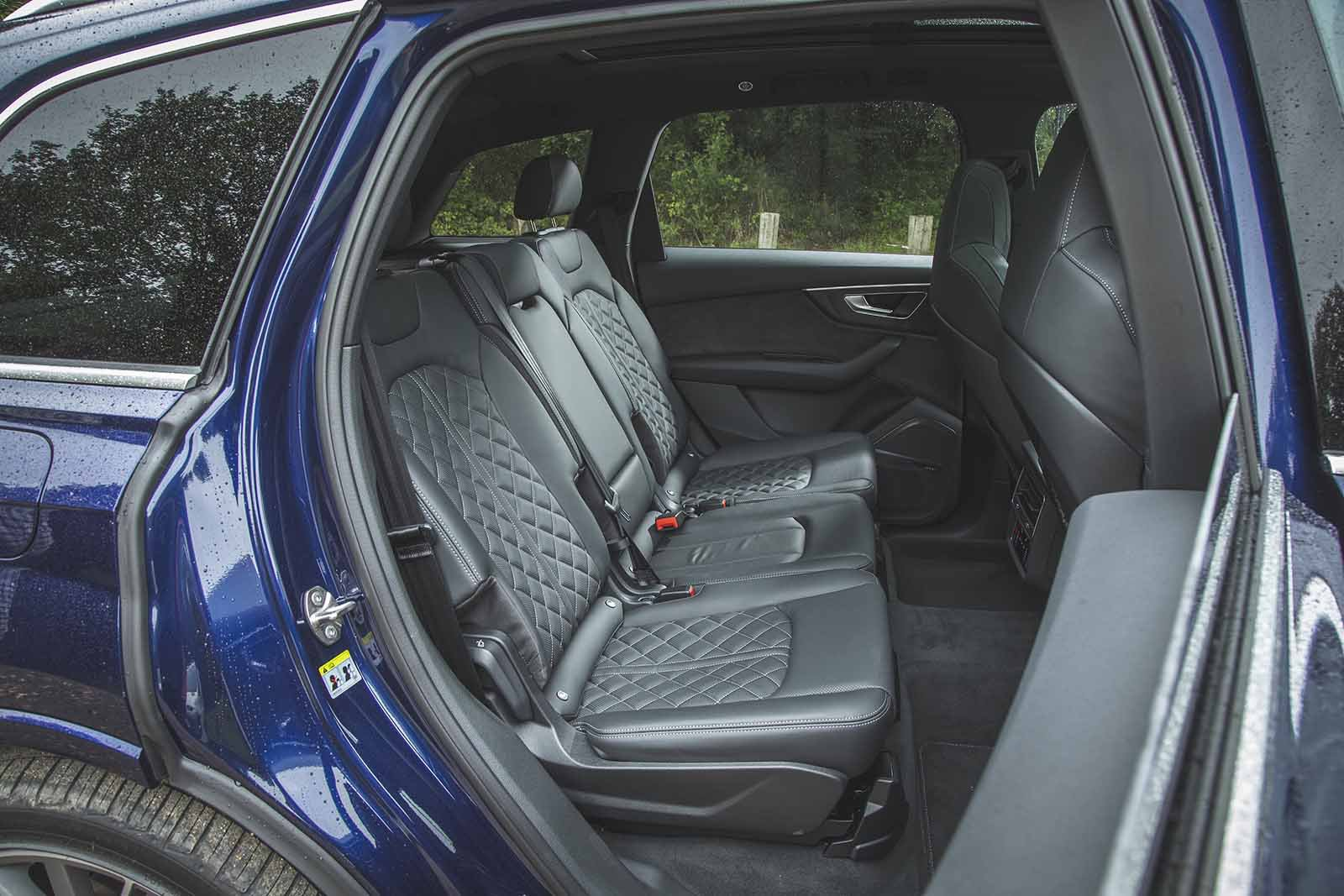 Audi SQ7 2019 RHD rear seats