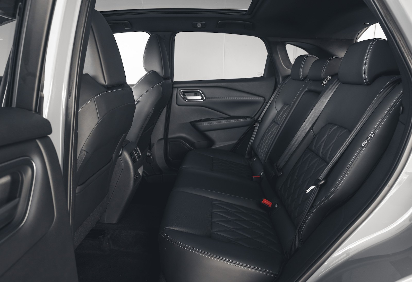 Nissan Qashqai 2021 interior rear seats