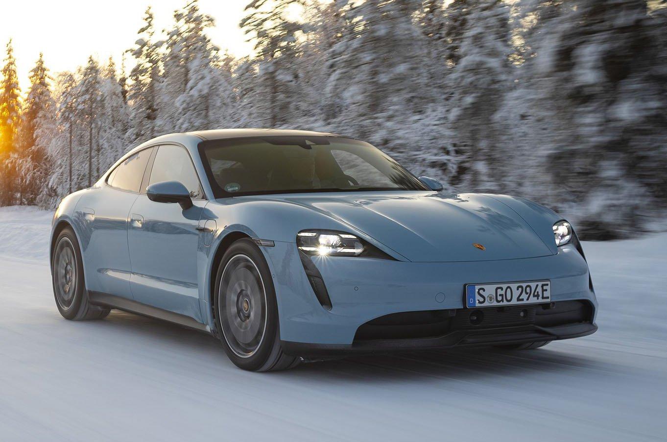 Porsche Taycan 4S front in snow
