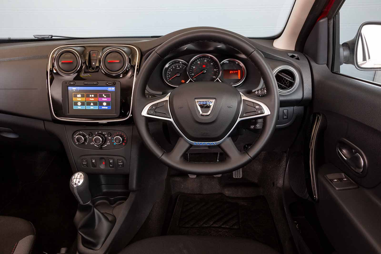 Dacia Logan MCV Estate 2019 RHD dashboard
