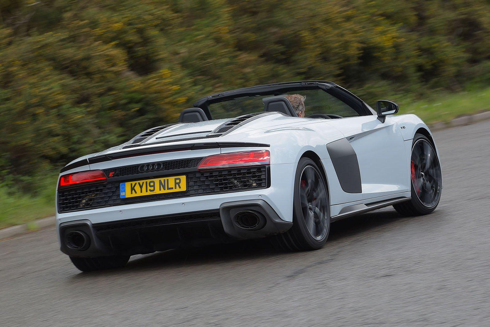 Audi R8 Spyder 2019 rear tracking