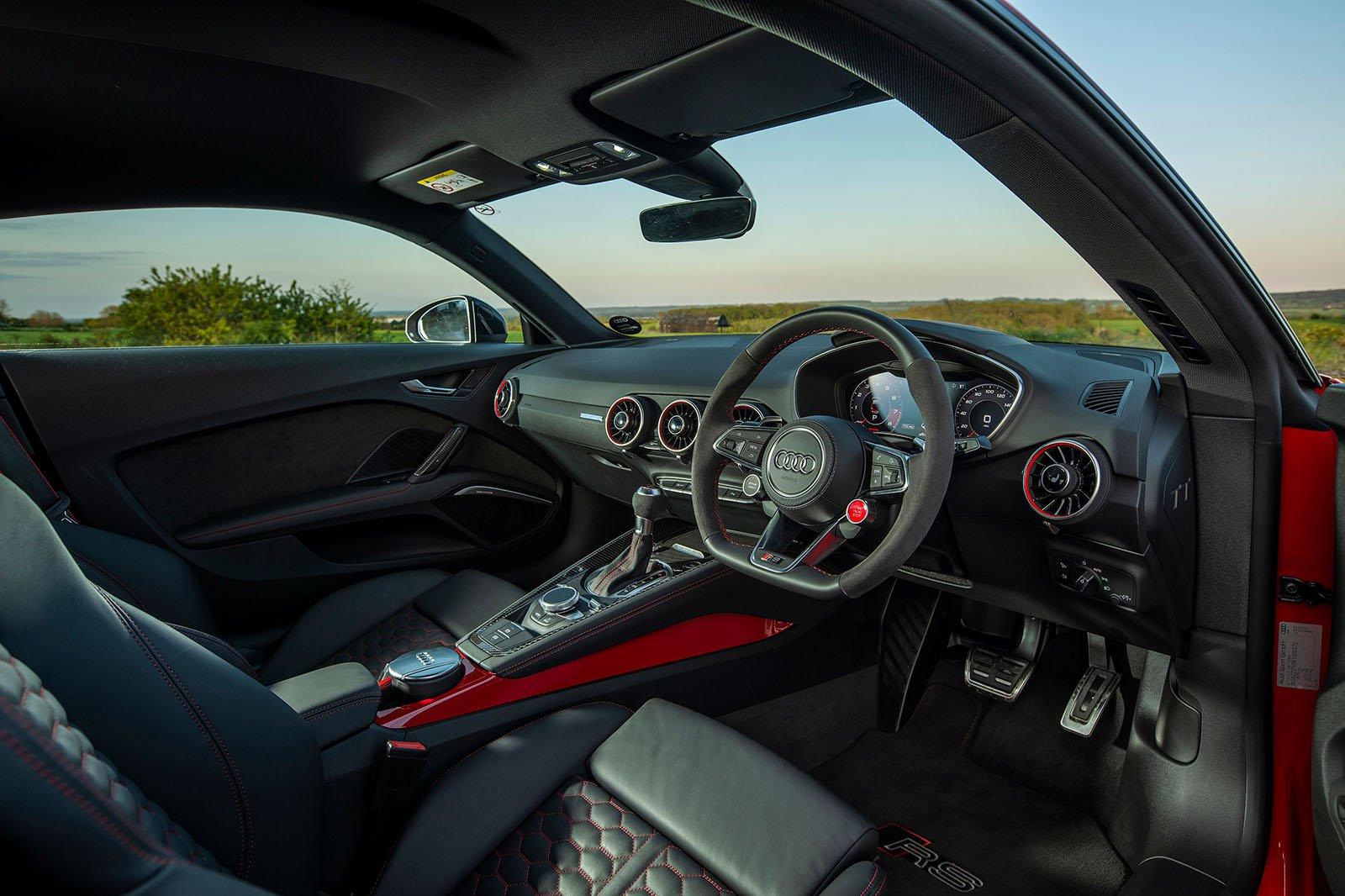 Audi TT RS 2019 RHD dashboard