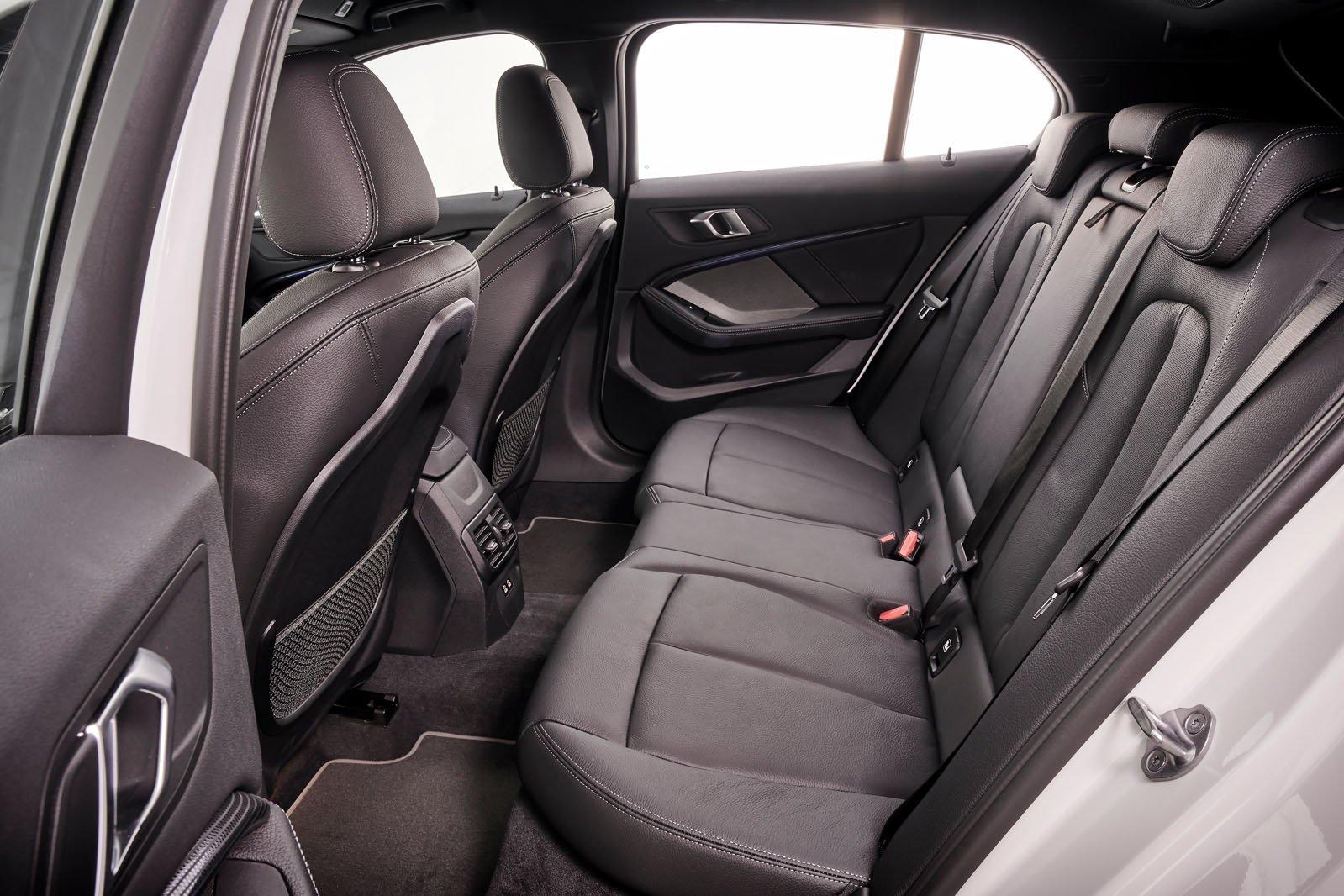 BMW 1 Series 2019 LHD rear seats