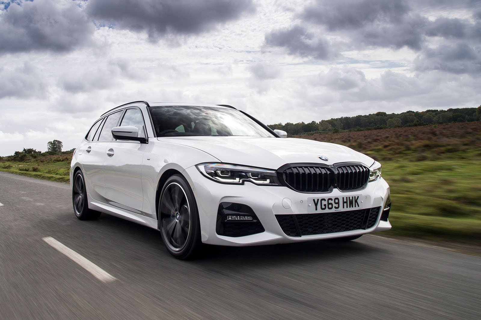 BMW 3 Series Touring 2021 RHD front tracking